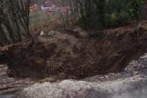 50 metrelik heyelan havadan görüntülendi...