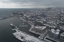 Kar yağışı havadan görüntülendi. Kartpostallık görüntüler