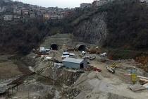 """Vali Bektaş, """"Zonguldak'ın en önemli işi Mithatpaşa Tüneli'dir"""""""
