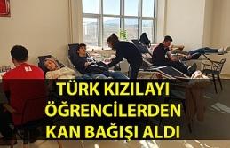Türk Kızılayı, öğrencilerden kan bağışı...
