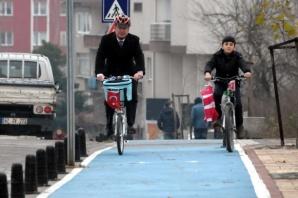 4 yılda 17 kilometrelik bisiklet yolu yaptılar