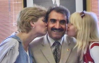 Gonca'ya çifte öpücük...