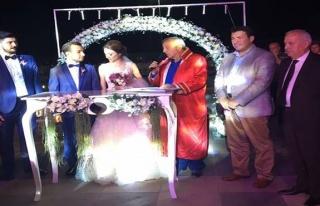 Görkemli düğün... Danışmanın oğlu dünya evine...