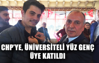 CHP'ye üniversiteli yüz genç üye katıldı...