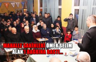 Mahalle sakinleri Ömer Selim Alan'ı bağrına...