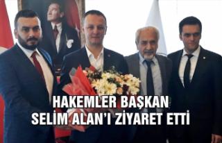 Hakemler Başkan Selim Alan'ı ziyaret etti...