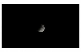 Merakla beklenen 'Parçalı Ay Tutulması'...