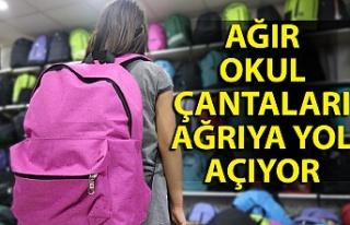 Veliler, dikkat: Ağır okul çantaları ağrıya...