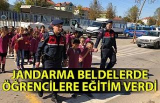 Jandarma beldelerde öğrencilere eğitim verdi