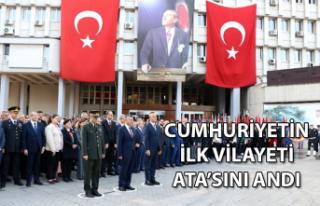 Cumhuriyetin ilk vilayeti Ata'sını andı