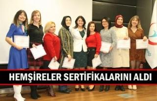 Hemşireler sertifikalarını aldı