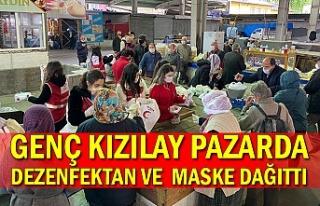 Genç Kızılay pazarda dezenfektan ve maske...