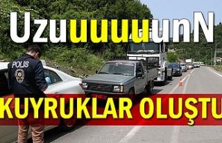 Zonguldak'a giriş çıkışlarda uzun kuyruklar...