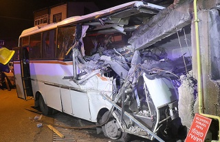 Feci kaza... 4 ölü, 2 yaralı...