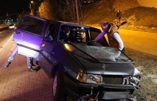 Kaza yaptı... Aracını bıraktı kaçtı...