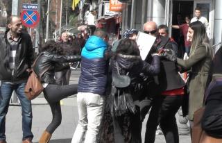 Gazipaşa'da kavga... Kadınlar birbirine girdi......
