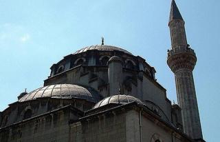"""""""Ramazan ayı geldi, camilerde imam yok..."""""""