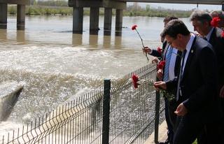 Çaycuma'daki köprü faciasında ölenler dualarla...