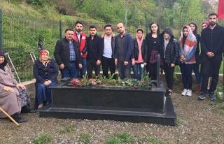 BEÜ öğrencilerinden şehit ailesine ziyaret