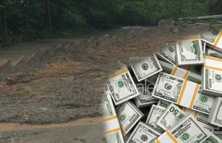 Paraları yağmur suyu kaptı!