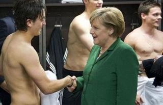 Almanya'dan Mesut Özil açıklaması