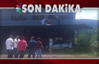Otomobil evin terasına, avukat çatıya uçtu