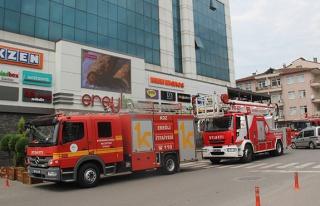 AVM'de yangın paniği!