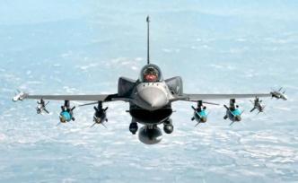 Türk askeri Kuzey Irak'taki hedefleri yerle bir etti