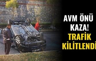 AVM ÖNÜNDE KAZA!