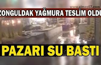 Zonguldak yağmura teslim oldu. Pazarı su bastı