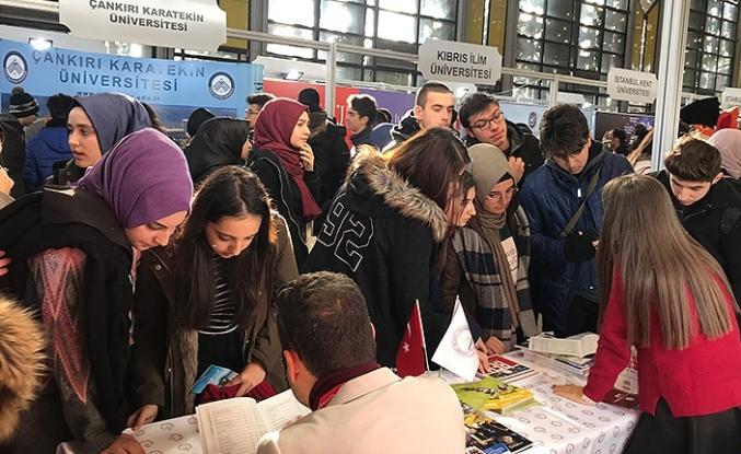 """BEÜ Ankara'da """"Eğitim ve Kariyer Fuarı""""na katıldı..."""