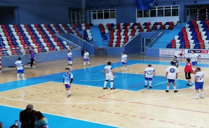 Engelliler basketbol ve futbol maçı yaptılar